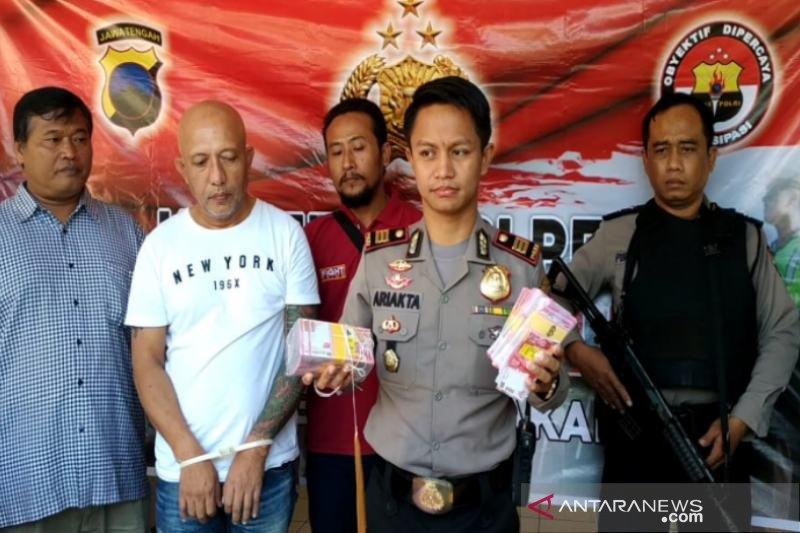 Polisi Surakarta Periksa Otak Pelaku Penipuan Uang Palsu Balinetizen