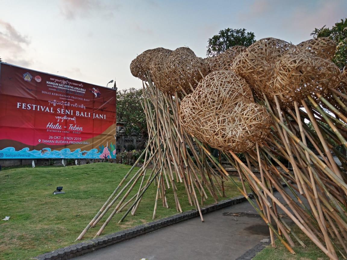 Seni Instalasi Percantik Wajah Taman Budaya Hadirkan Konsep